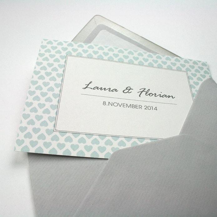 Umschlag und Einladung für eine Hochzeitsfeier