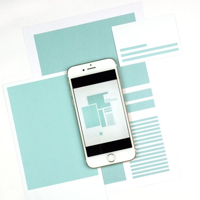 Zusammenspiel von Smartphone und analogen Medien in der Vermarktung