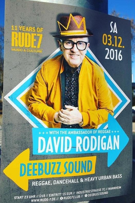 Gestaltung Plakat für Party in Musik Club