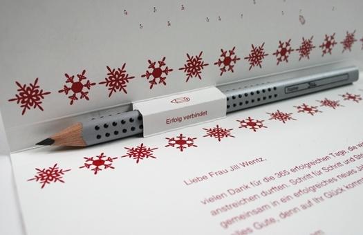 Kreatives Weihnachtskarte mit Stift und Personalisierung
